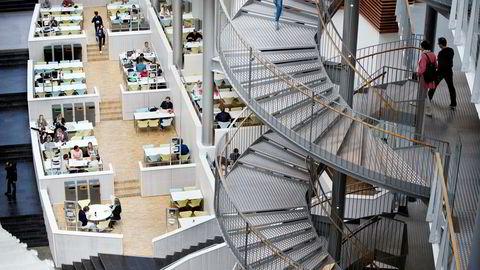 Økonomistudentenes resultater på nasjonal deleksamen er svakere enn i fjor ved alle høyskoler og universiteter i landet bortsett fra Universitetet i Tromsø. Her fra BIs campus i Nydalen i Oslo.