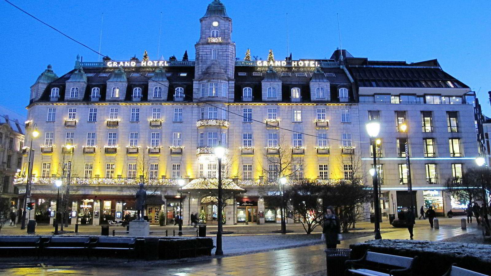 Ikoniske Grand Hotel i Oslo får bare 21 av 30 mulige poeng i vår hotelltest. Frokosten og dårlig renhold trekker ned.
