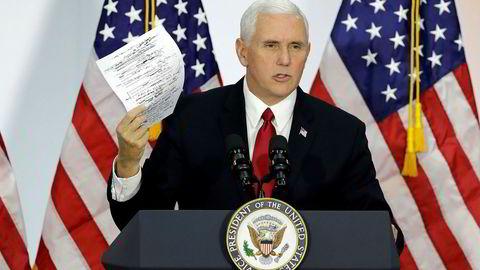 Visepresident Mike Pence velger avstemming om skatterform fremfor reise til Midtøsten.