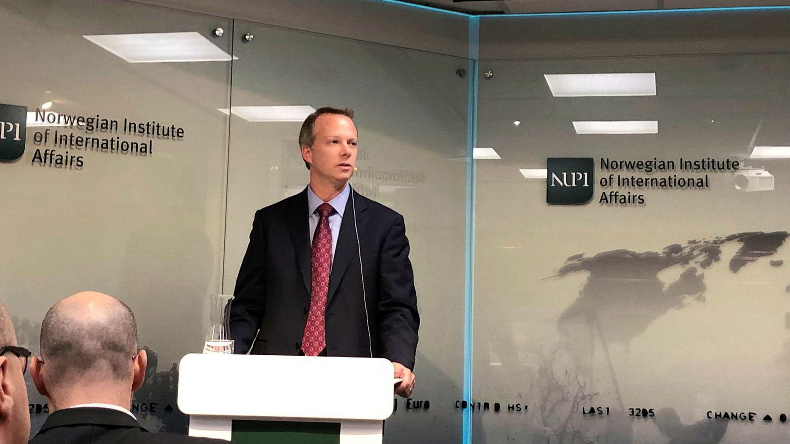 – Det ser ut som Norge tar risikoen på alvor og vi er optimistiske på at de vil betrakte risikoene på en seriøs måte og komme frem til en god konklusjon, sier Thomas McDermott, statssekretær i Department of Homeland Security, USAs departement for nasjonal sikkerhet.