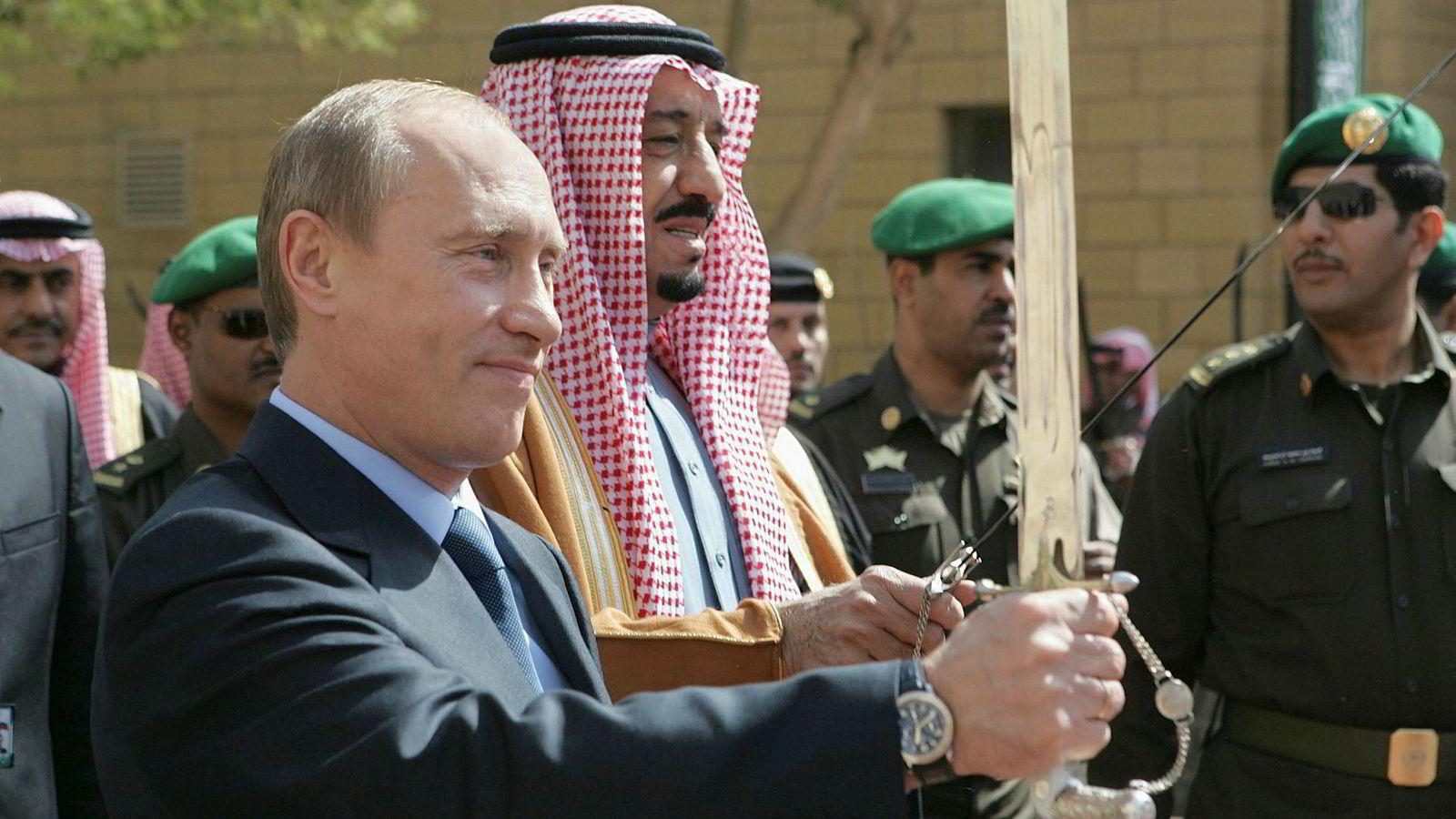 Torsdag møtes Russlands president Vladimir Putin og Saudi-Arabias kong Salman i Moskva. Her fra Putins besøk i Riyiadh i Saudi-Arabia i 2007.