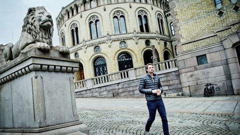 Stortingsrepresentant Henrik Asheim reagerer kraftig på kritikken for pengebruken fra Venstre.