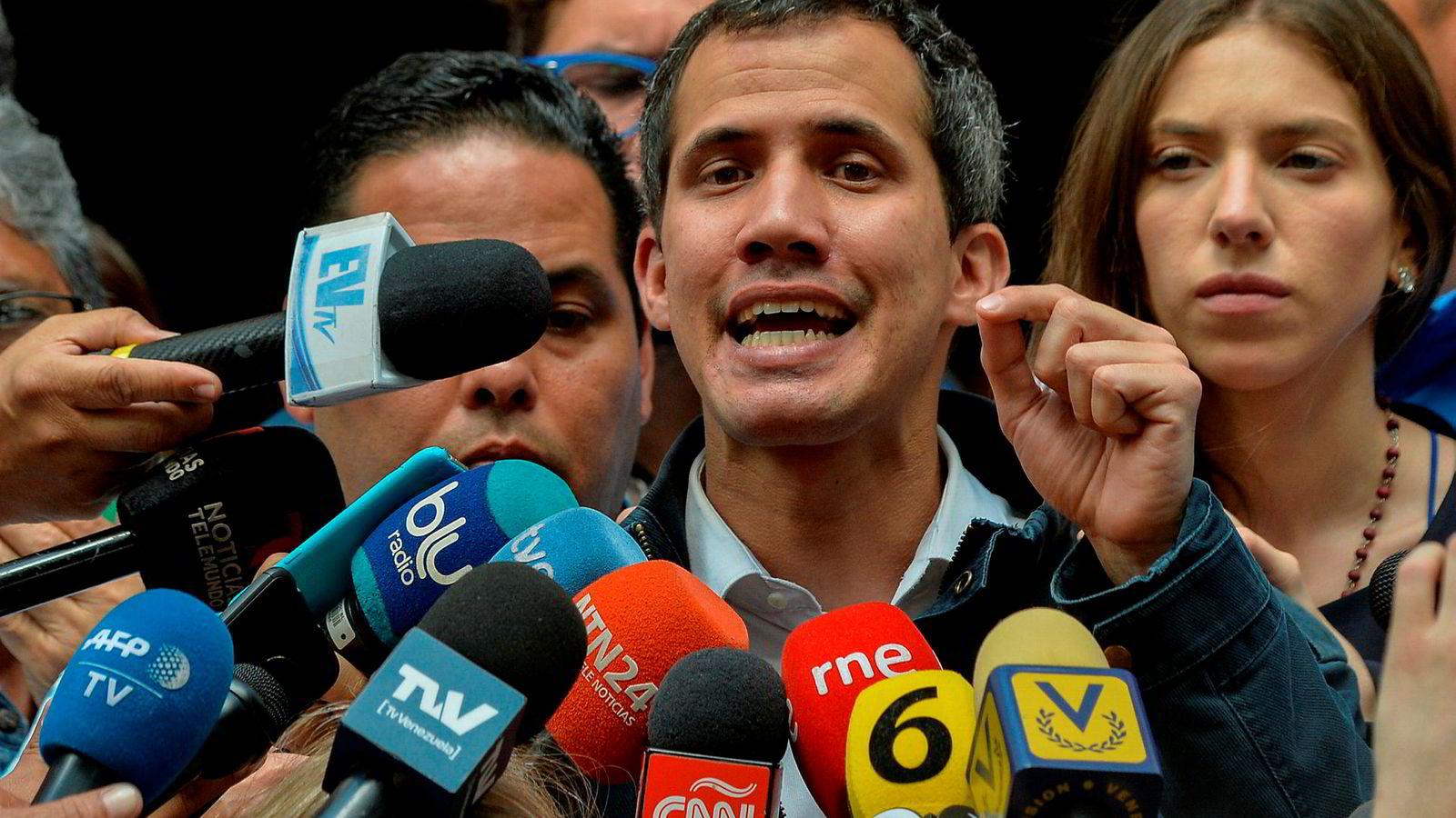 Den selverklærte presidenten i Venezuela, Juan Guaidó, varsler nye demonstrasjoner mot sittende president Nicolás Maduro.