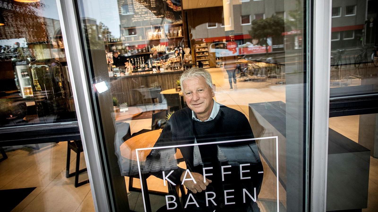 Q42 i Kristiansand har bar, men kun for de kaffetørste. – Det er ikke aktuelt å endre vår avholdspolicy, sier Billy Øksendal, som er daglig leder for Kristiansand Kongressenter og styreleder for Filadelfia Kristiansand.