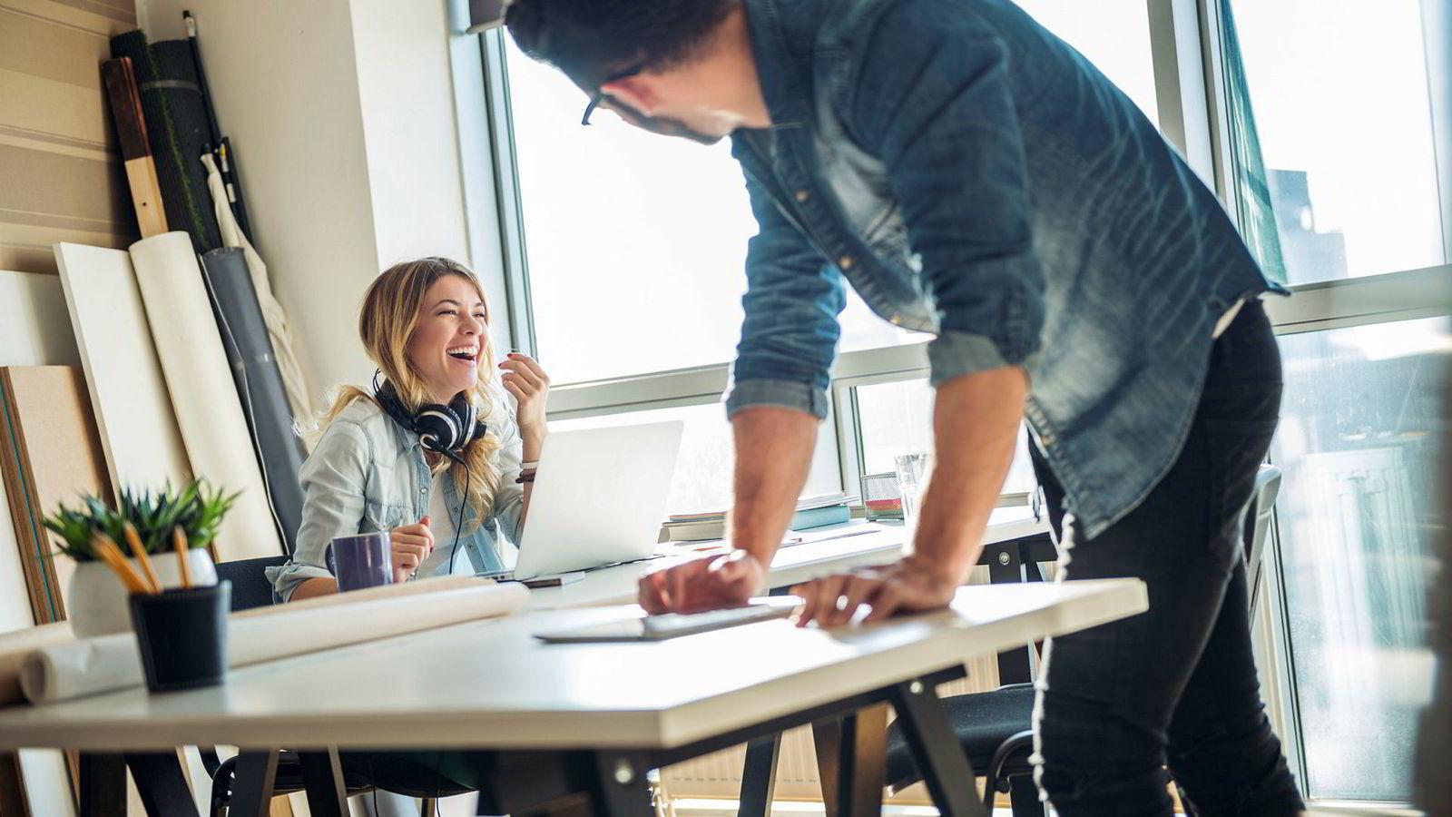 Ved å feire gjennombrudd og dele historier om hva vi har lykkes med, kan vi legge grunnlag for å ha det morsommere og få til mer sammen på jobb.