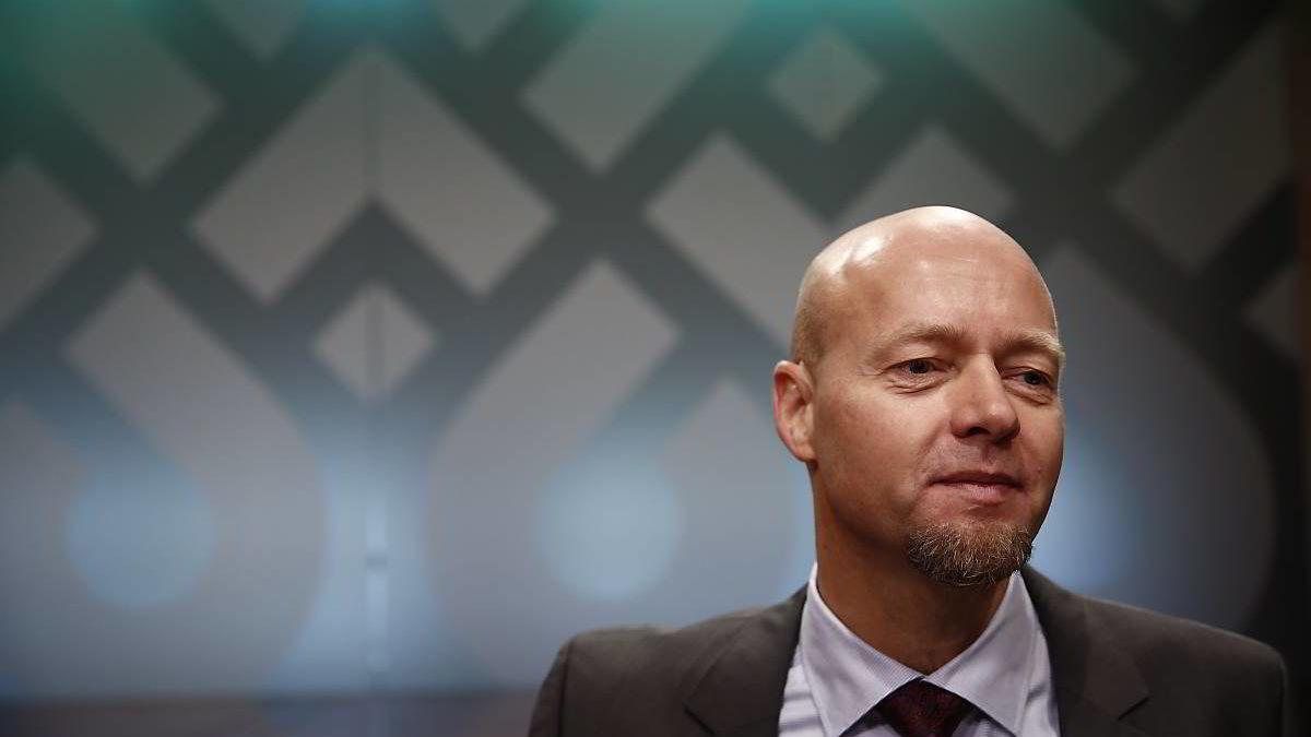 Oljefondsjef Yngve Slyngstad mener norske småsparere må tenke spesielt nøye over hvilken tidshorisont de har for sparingen.