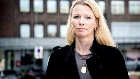 Kari Due-Andresen, sjeføkonom i Handelsbanken, mener tallene viser at oljeinvesteringene skyves på.
