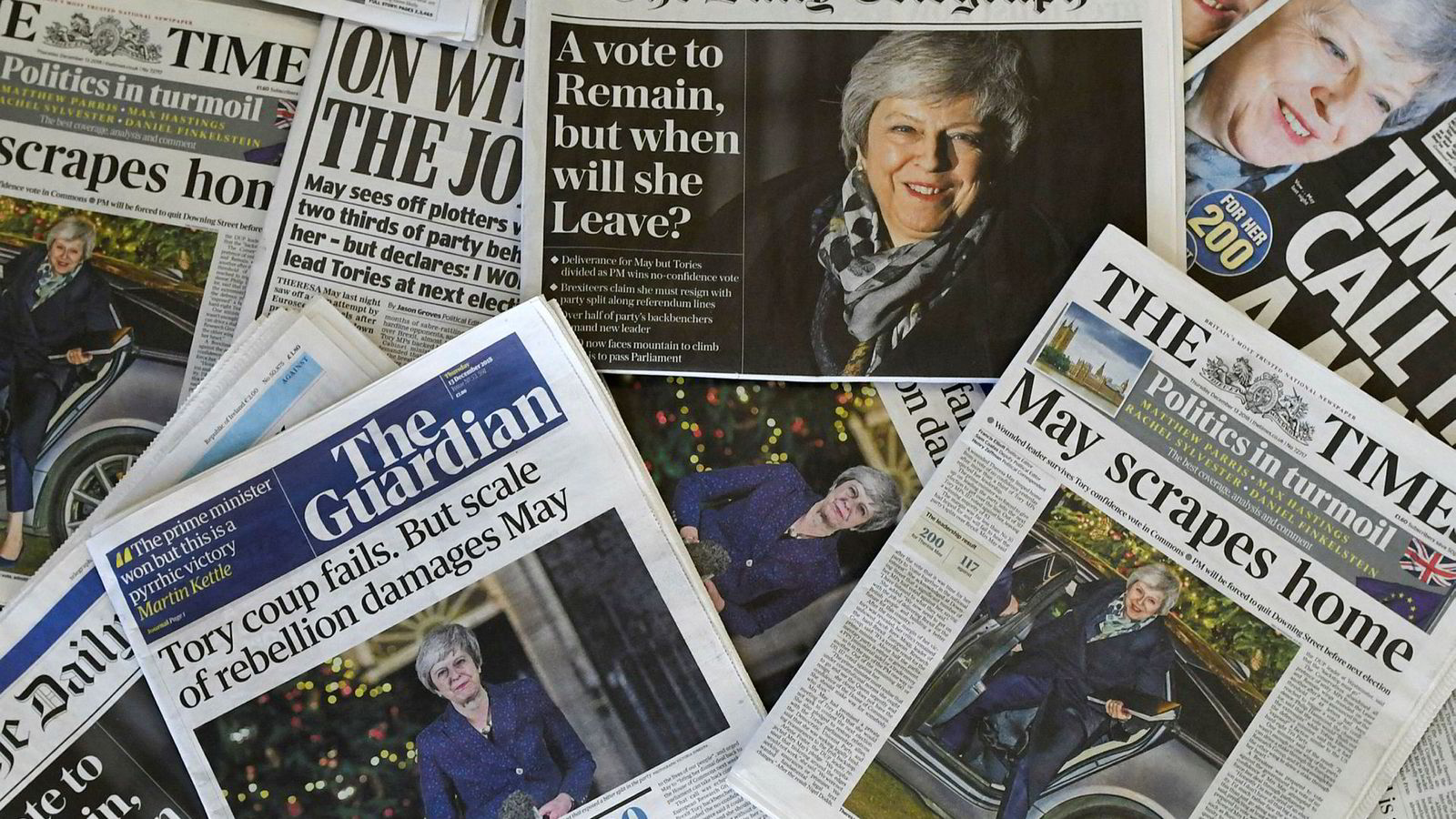 Hverken statsminister Theresa May eller britisk presse har ligget på latsiden i denne ukens politiske drama i Storbritannia.
