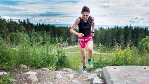 Sunniva Dring tyner kapasiteten på syvminuttersdragets siste bratte bakke rett ved Frognerseteren. Hun er først og fremst aktiv syklist. Alle foto: Marte Christensen