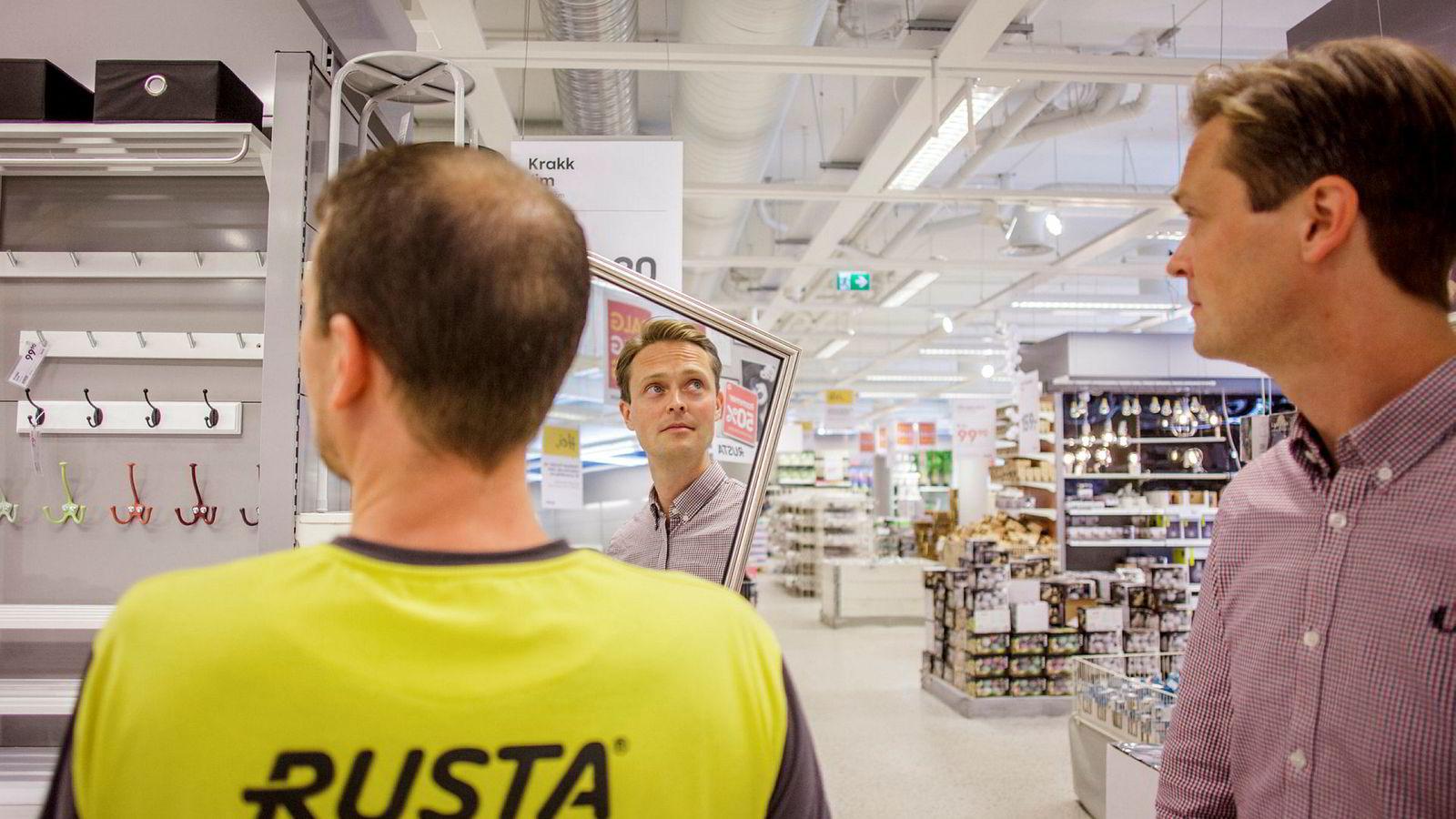 Norgessjef Erlend Kramer sikter mot milliarden i inneværende regnskapsperiode. Her sammen med Espen Frømyr i Rusta.