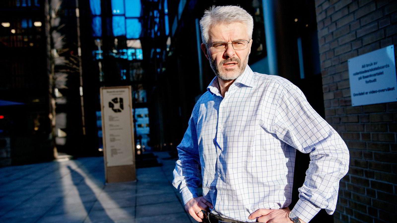 98 anmeldelser er så langt i år lagt i skuffen av Økokrims Trond Eirik Schea. Kanskje burde Transocean-saken vært en av dem, skriver DNs kommentator Bård Bjerkholt.