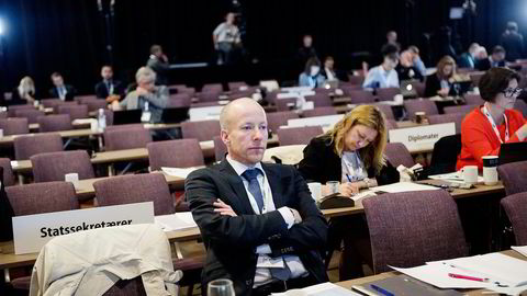 Fredag satt statssekretær Lars Øy (H) langt bak i landsmøtesalen under Erna Solbergs tale, men han er blant de fremste for statsministeren, tross en anonym profil. Foto: Thomas Haugersveen