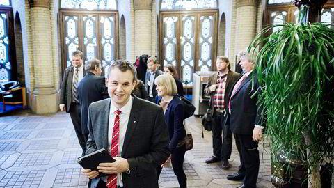 KRITISK. KrF-representant Kjell Ingolf Ropstad vil likevel ha oljebyråkratene til å gjøre selvstendige kostnadsvurderinger.                    Foto: Per Thrana