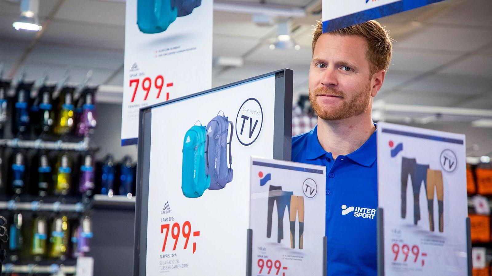 En epoke er over når Gresvig-sjef Lars Kristian Lindberg rydder opp i det tapstyngede sportskonsernet eid av familien til Olav Nils Sunde. Nå er det Intersport som gjelder, mens G-sport forsvinner ut.