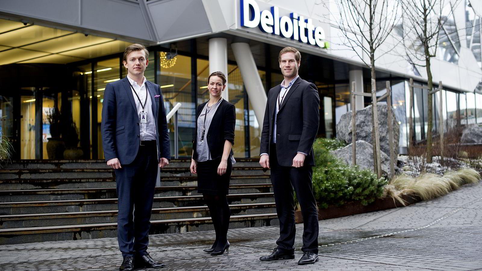 Maria Brevik i Deloitte fremhever gjerne x-faktoren til Fredrik Holm Jansen (t.v) og Knut Masdal (t.h).