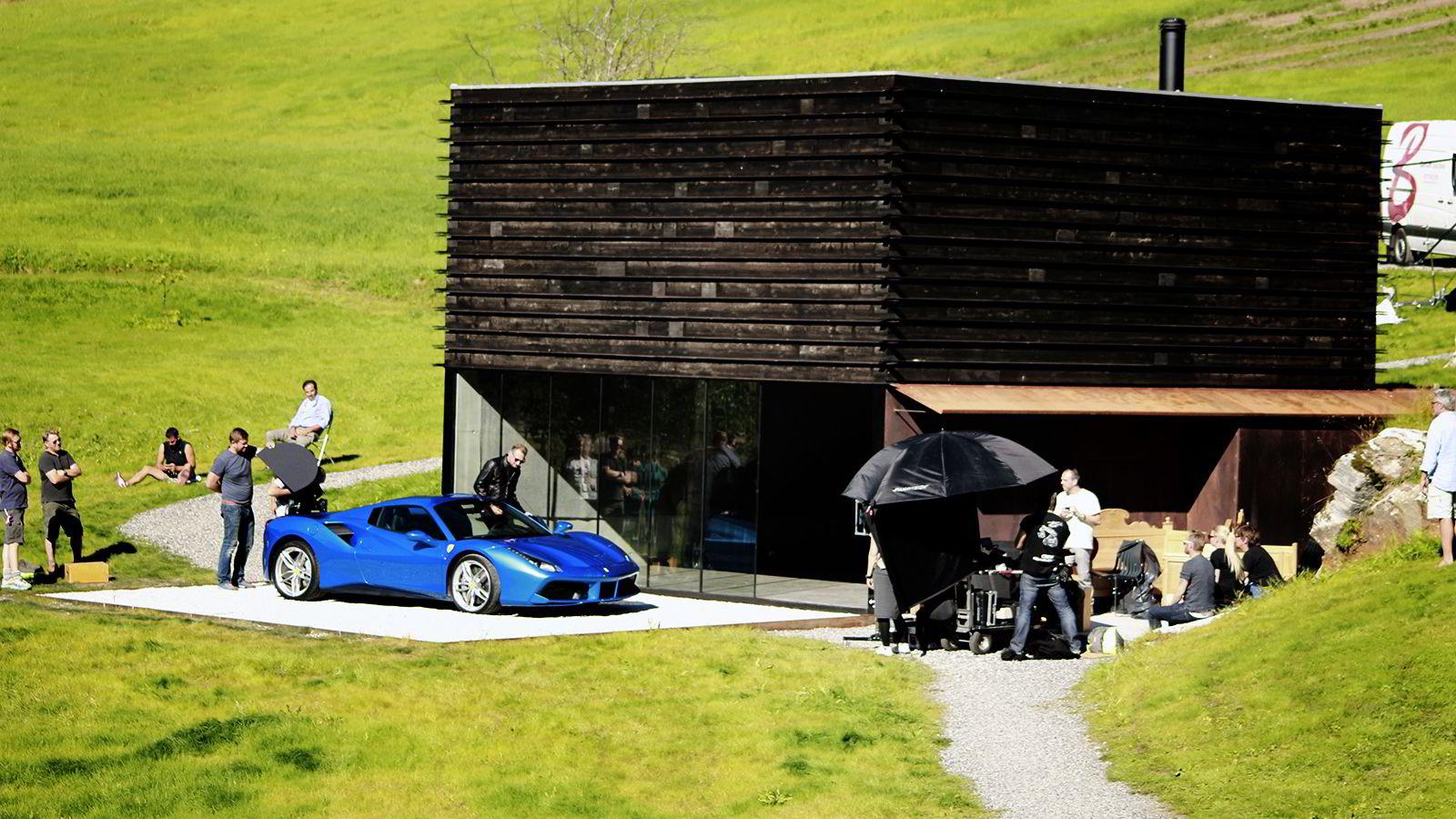 Fotoopptak for Ferrari på Juvet Landskapshotell. Norsk produsent for filmen var LoopFilm og Jarle Tangen.