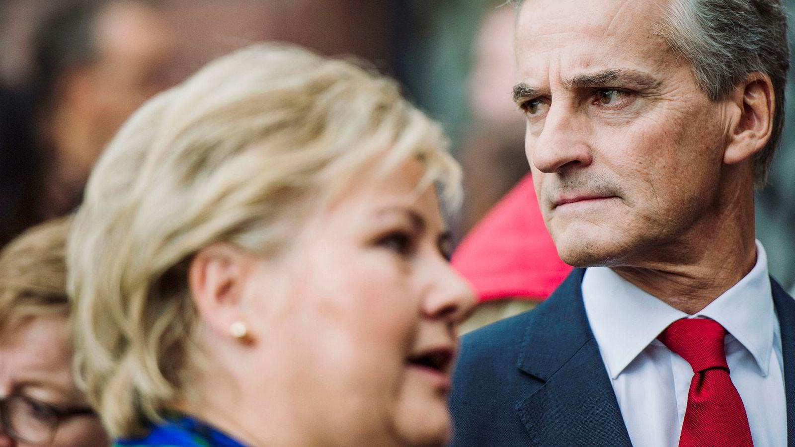 Jonas Gahr Støre tar positive målinger den siste tiden som en oppmuntring og varsler en høst preget av sterk kritikk mot regjeringssjef Erna Solberg i flere saker.