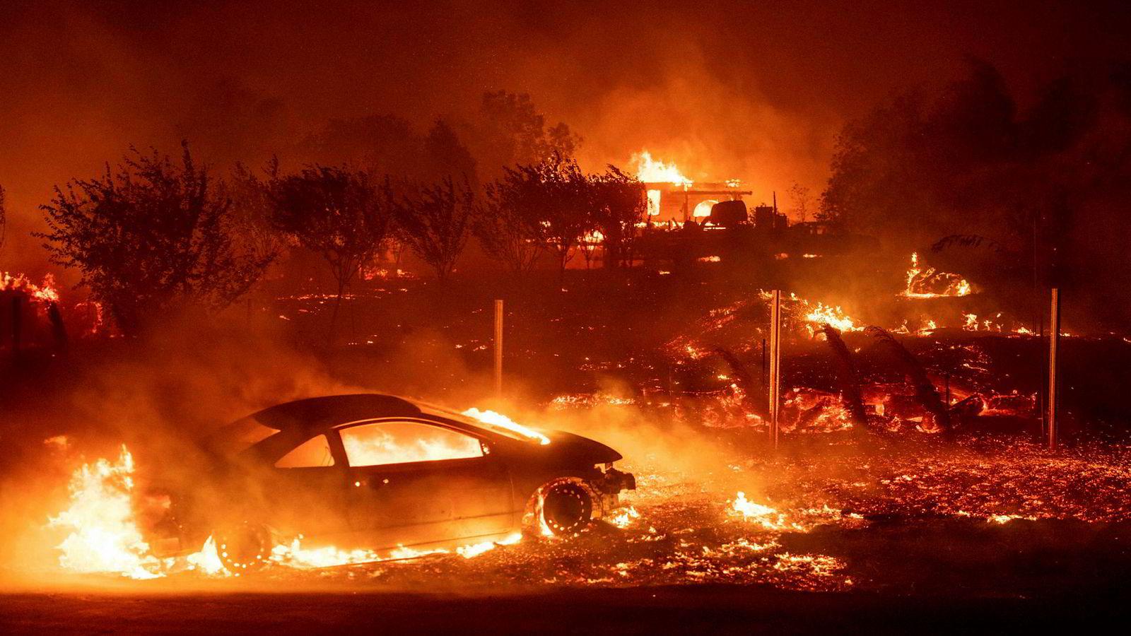 Byen Paradise i California er fullstendig ødelagt i brann.