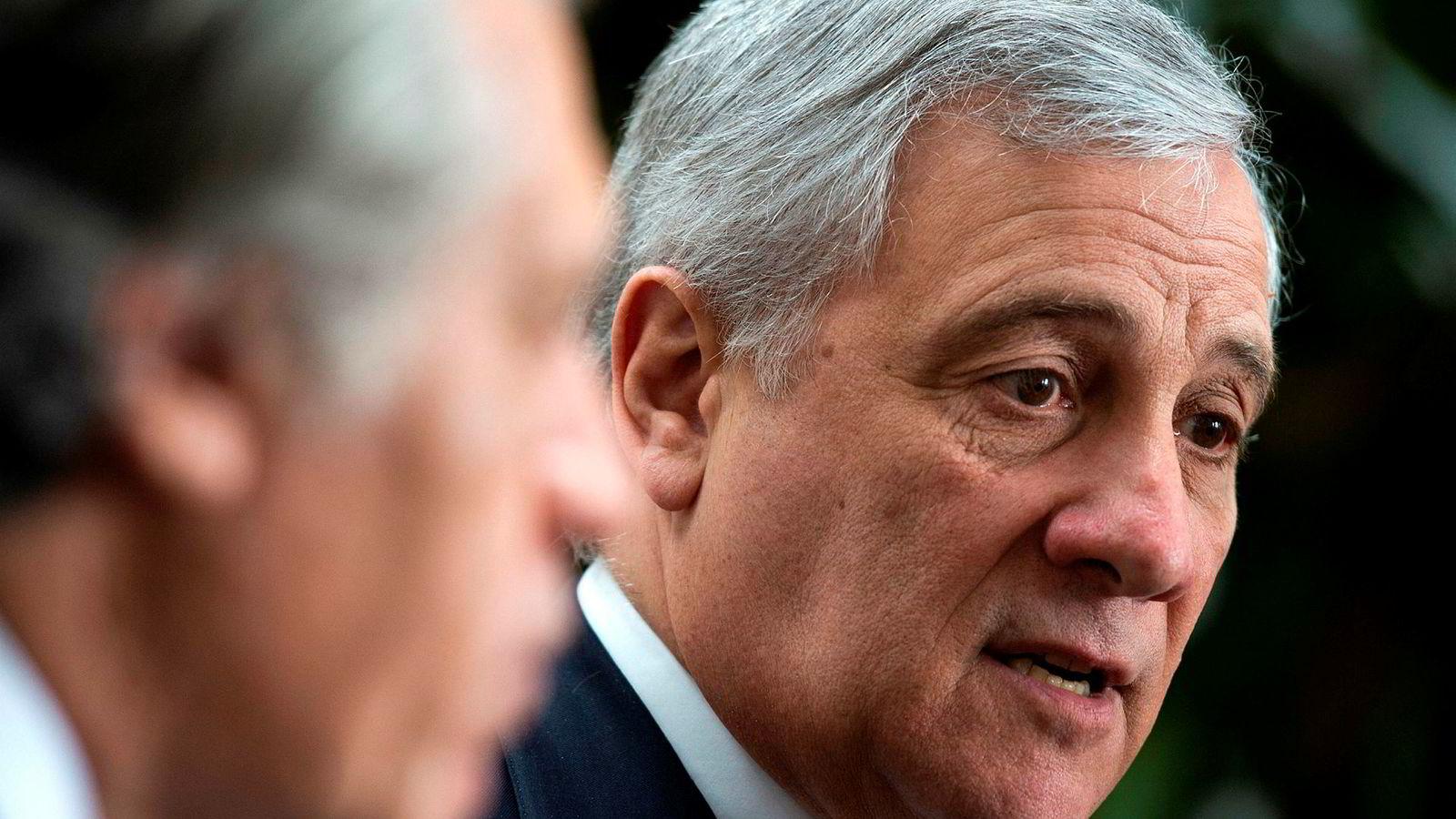 Formann i EU-parlamentet Antonio Tajani vil ikke gi Storbritannia så mye mer tid til å bestemme seg.