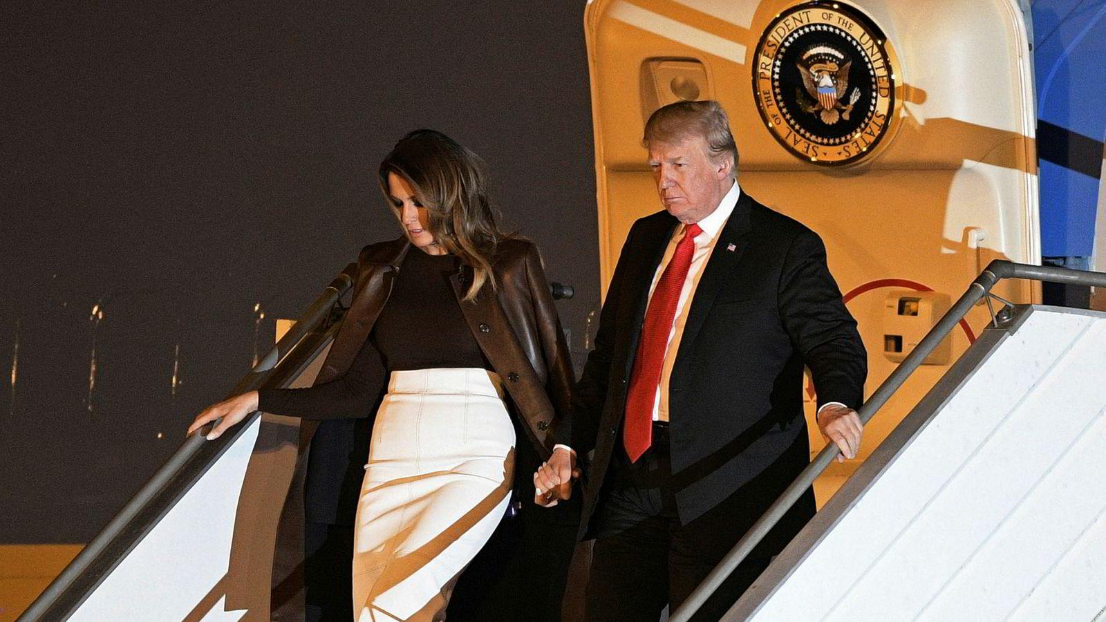 President Donald Trump, eller «Individual 1» ifølge rettsdokumentene i New York, ankommer Buenos Aires med førstedamen Melania Trump.