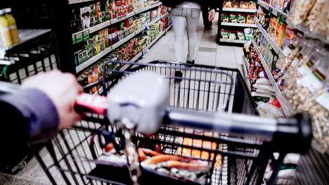 Konsumprisindeksen, som måler prisutviklingen på varer, steg 3,4 prosent i august sammenlignet med august i fjor.