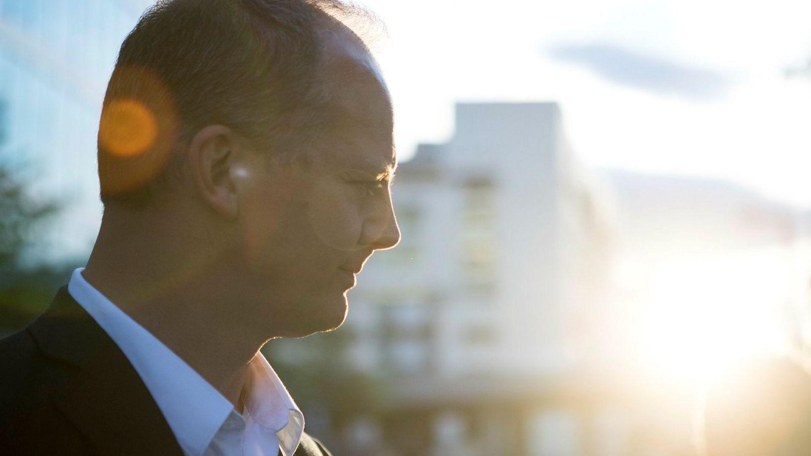 Frp-nestleder og samferdselsminister Ketil Solvik-Olsen har brukt flere år på å flytte Frps klimapolitikk bort fra ren kunnskapsfornektelse. Så kom Carl I. Hagen tilbake.