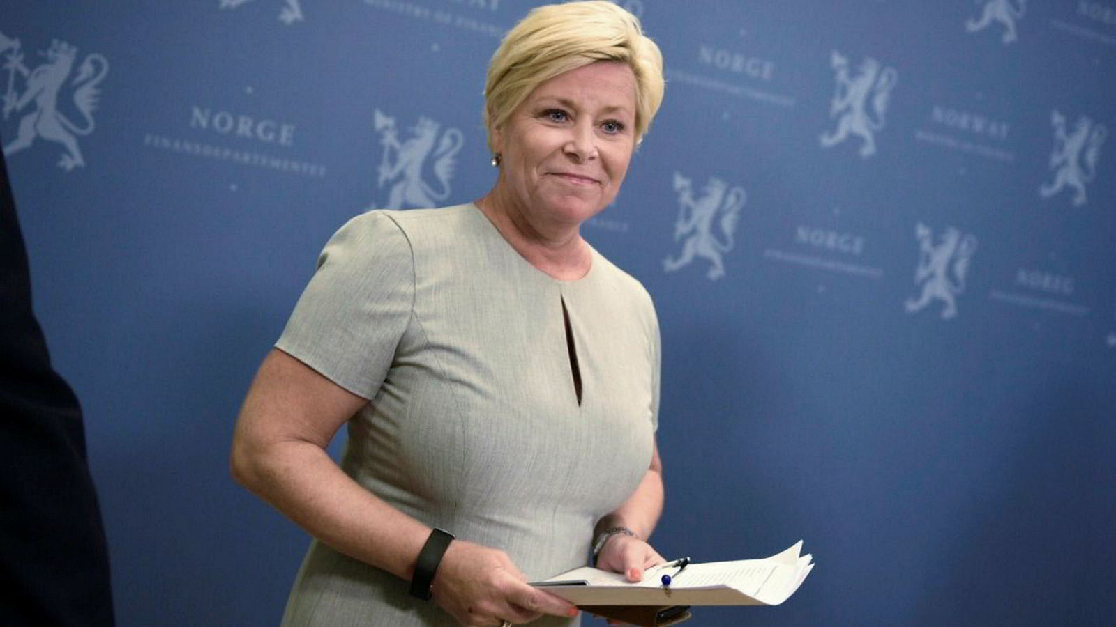 Finansminister Siv Jensen forlenger boliglånsforskriften ut 2019.