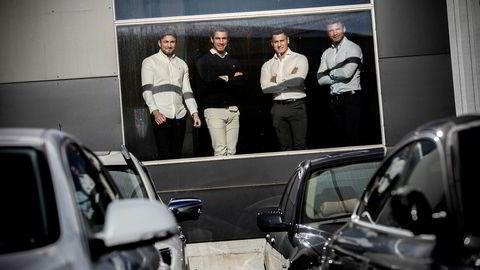 Brødrene Fadi (fra venstre) John, Dani og Remon Farenso tar mål av seg å bli størst innen bruktbilhandel på Sørlandet