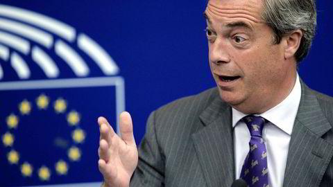Ukjente politikere for nordmenn kjemper om å overta som UKIP-leder etter Nigel Farage, som på bildet snakker i EU-parlamentet i Strasbourg i juli. Foto: Fredrick Florin/AFP photo/NTB scanpix