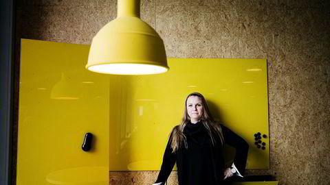Administrerende direktør Maria Aas-Eng i mediebyrået Red sier det typisk er kontroversielle internasjonale sider som havner på svartelisten, men at man med Resett har fått en norsk aktør annonsørene sier de ikke vil støtte.
