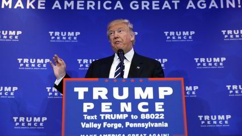 Donald Trump går på ny til angrep på Obamas helsereform. Foto: REUTERS/Carlo Allegri