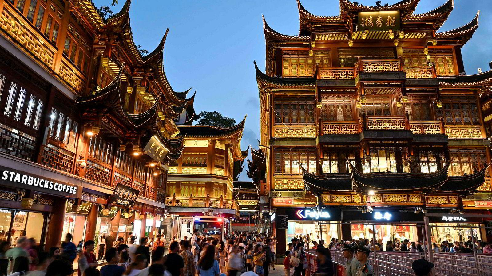 USA skal ha fremmet krav om hundrevis av kinesiske lovendringer for å beskytte opphavsrett. Bildet er tatt i Shanghai.