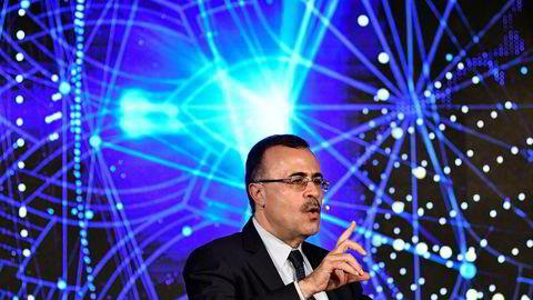 Saudi Aramco-sjef Amin Nasser sier at børsnoteringen av selskapet er i rute, men at regler gitt av myndighetene begrenser informasjonen selskapet kan gi ut.