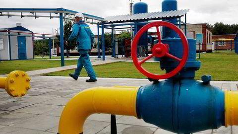 Som dominererende selger i Europa har russiske Gazprom mye makt over priser og volum i sin gasshandel. Foto: Sergel Chuzavkov, AP/ NTB Scanpix