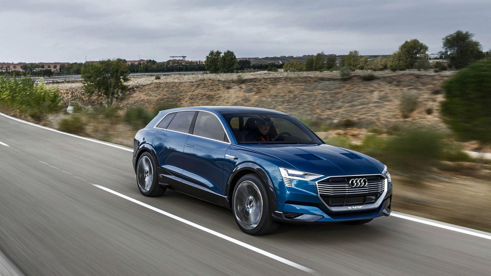 Audis elbilsjef synes ikke det er noen god ide å dra henger med elbil. Likevel kan det virke som Audis første elbil får hengerfeste. Dette er Audi E-Tron Concept.