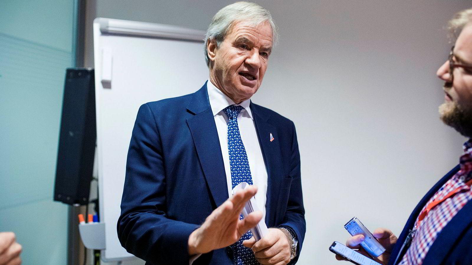 Mens Bjørn Kjos (bildet) kjemper for å sikre fremtiden til Norwegian, kjemper storebror Tore Kjos for å få flyselskapet solgt.