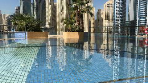 Innimellom shopping eller møter er bassengområdet på Address Dubai Marina et godt sted å hente seg inn.