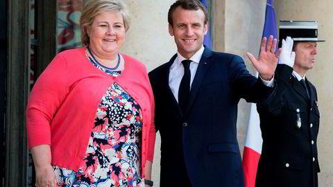 Frankrikes president Emmanuel Macrons nye miljøpakt bidrar med lite nytt, ifølge Klima- og miljødepartementet. Her er Macron og statsminister Erna Solberg i Paris i fjor sommer.