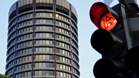 Sentralbankenes bank advarer mot farer som lurer i markedet. På bildet hovedkvarteret til  Bank for International Settlements (BIS), i Basel i Sveits. Foto: Gianluca Colla/