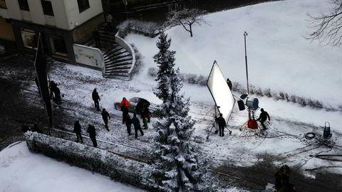 Fra innspillingen av «Snømannen», som er en av de første internasjonale filmene som nyter godt av incentivene regjeringen tilbyr produksjoner som legger innspillingen til Norge.