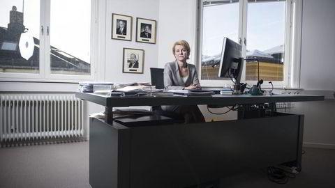 Generalsekretær Merete Smith i Advokatforeningen tror ikke mangelen på kvinnelige advokatpartnere kun skyldes stort arbeidspress. Foto: Thomas Haugersveen