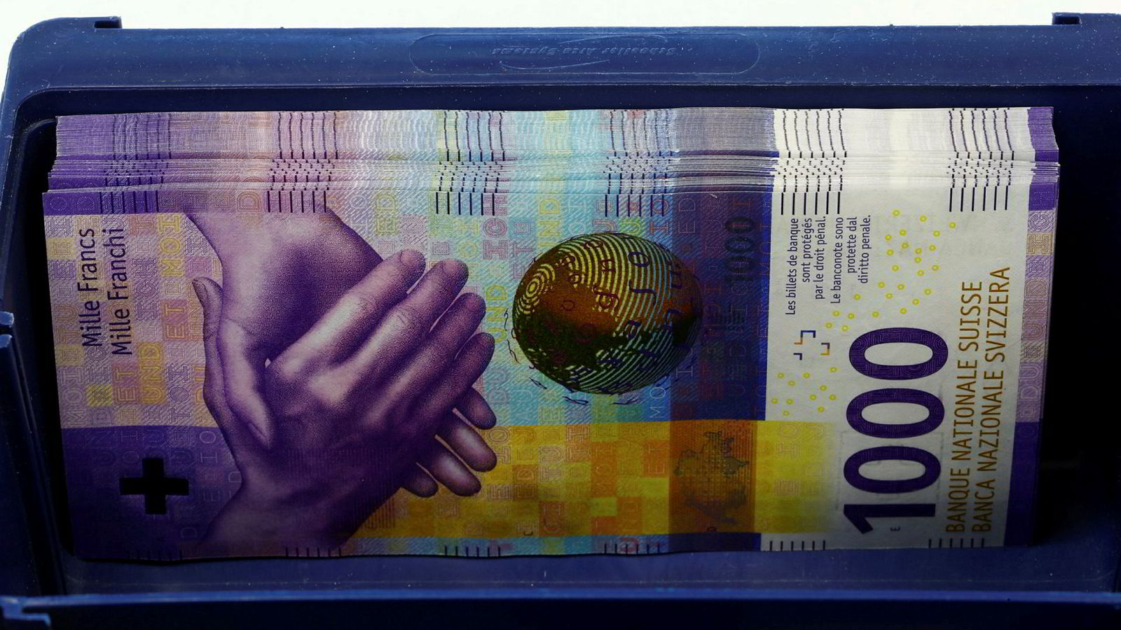 I forbindelse med finanskrisen høsten 2008 økte kursen på sveitserfranc markant mot norske kroner, og valutalånet vokste dermed kraftig målt i norske kroner for et ektepar fra Sunnmøre.