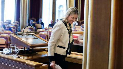 Innvandrings- og integreringsminister Sylvi Listhaug redegjorde om tvangsreturer til Afghanistan i Stortinget onsdag. Hun advarte mot å stanse returene.
