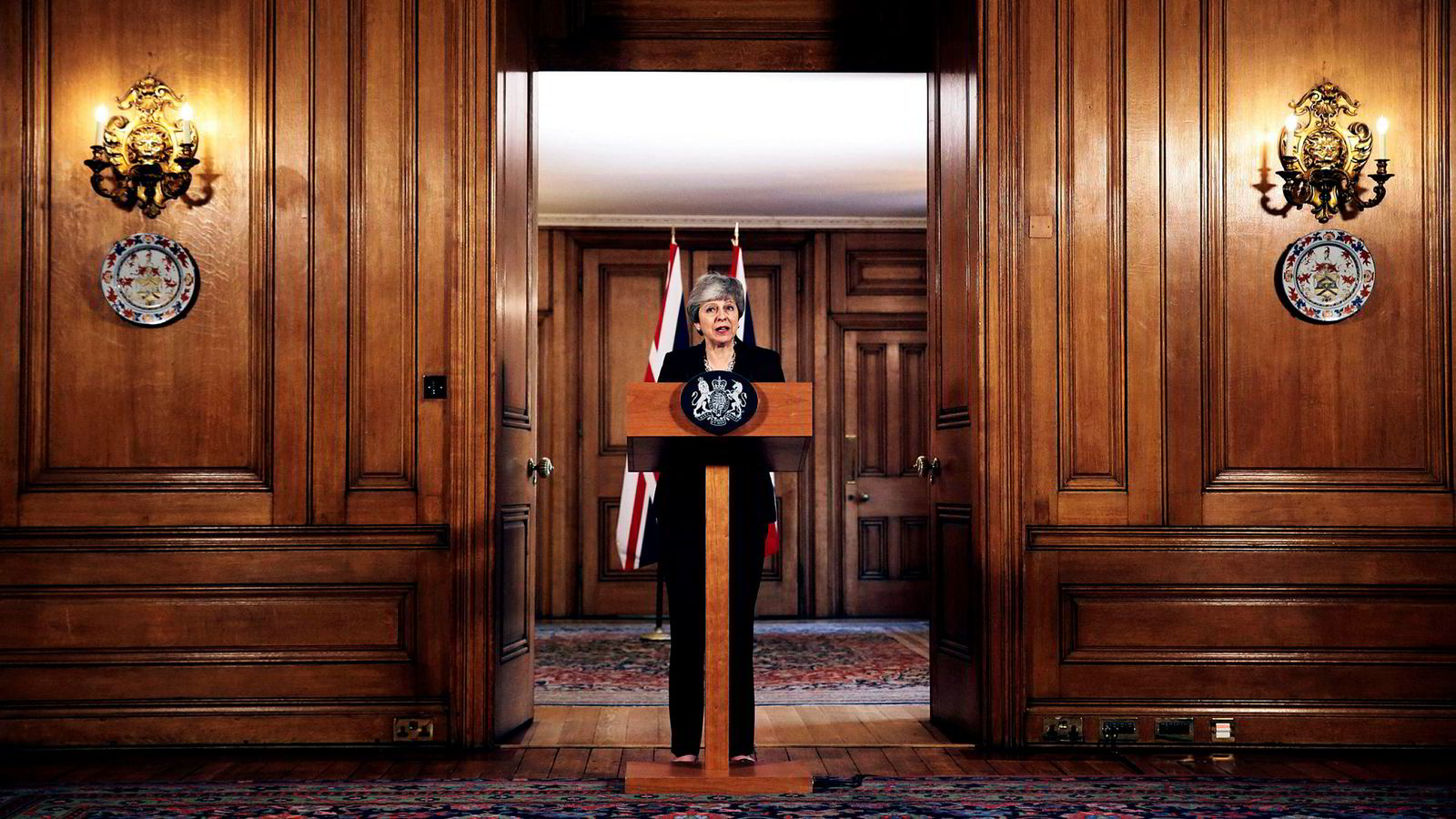 Storbritannias statsminister Theresa May gir Labour skylden for brexit-sammenbruddet.