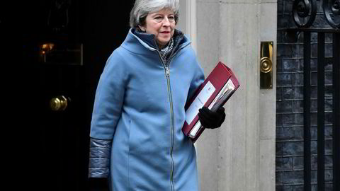 Sannhetens øyeblikk nærmer seg for statsminister Theresa May, her fotografert på vei ut av statsministerboligen i 10 Downing street onsdag.