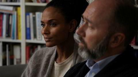 Trond Giske og Haddy N'jie i intervjuet med programmet Vårt Lille Land på TV 2.