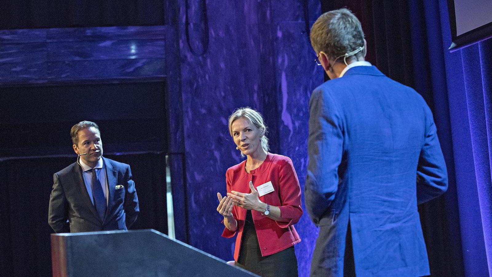 Paneldebatt med Lars Erik Grønntun (CEO i Hill+Knowlton EMEA) og Marte Gerhardsen (leder av Agenda). Foto: Aleksander Nordahl