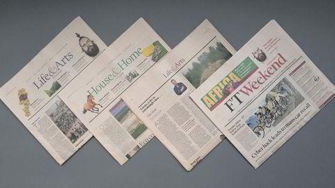 Innholdsrik. I helgen får Financial Times' hoveddel selskap av bilagene «Life & Arts» og «House & Home». Til de mest kjente av de mange faste spaltene i FT Weekend, hører lunsjsamtalen, der en av avisens journalister møter en internasjonal notabilitet over lunsjbordet og rapporterer både om hva intervjuobjektet sier, og om hva det spiser. 52 av samtalene endte for to år siden mellom bokpermer