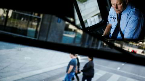 Sigurd Steen skal ha blitt bedratt for minst 25 millioner kroner, ifølge Økokrim. I dag jobber Steen som bussjåfør.