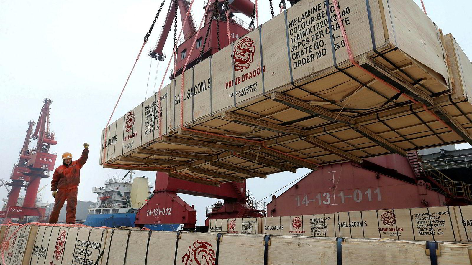 Den negative utviklingen i Kinas handel snudde i mars, ifølge foreløpige rapporter. Verdens handelsorganisasjon (WTO) venter at den globale handelsveksten vil bli betydelig lavere i år – selv om de går mot en løsning i handelskrigen mellom USA og Kina